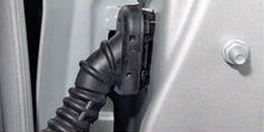 Снятие передней двери ФФ2