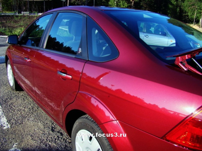 Ford Focus (Deep Rosso Red)