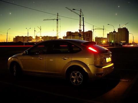 Неоновые огни ночного города