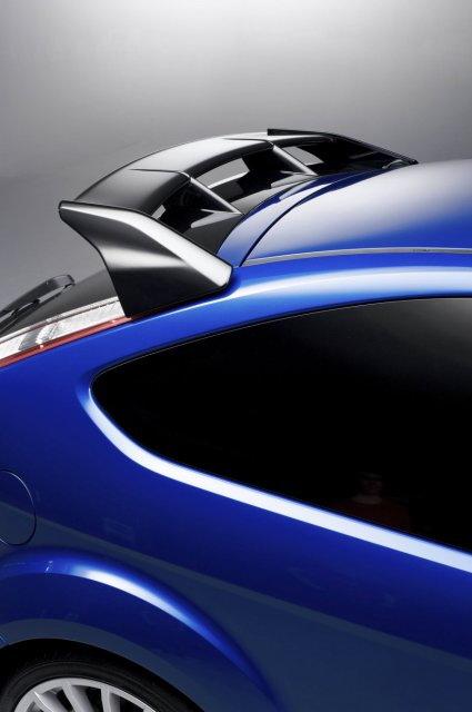 Подробности про Ford Focus RS (35 фото)