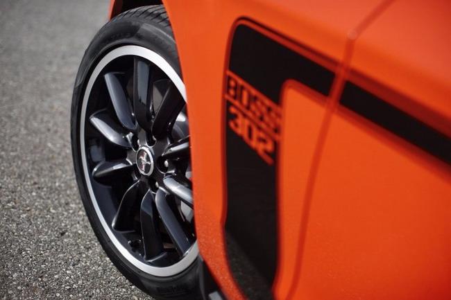 Официальные фото Mustang Boss 302