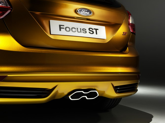 Полный обзор Ford Focus ST 2012