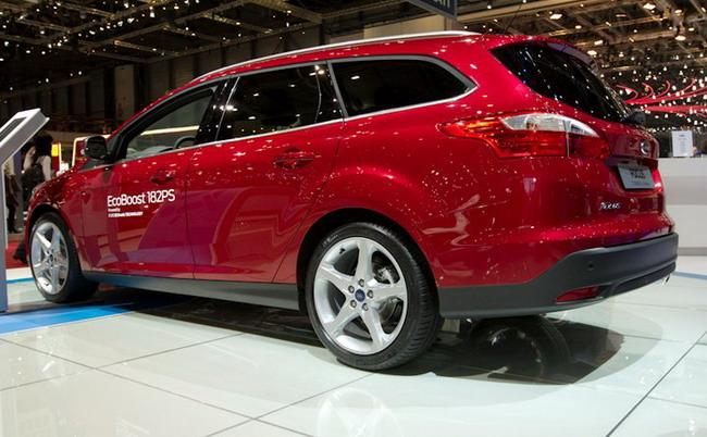 Фото универсала Форд Фокус 3. …