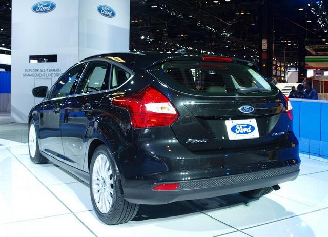 Ford Focus — Tuxedo Black хэтчбек