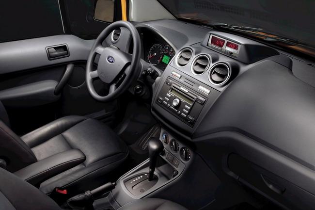 Ford Transit Connect Taxi утвержден на службу