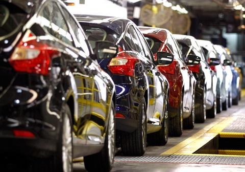 Ford и GM прогнозируют рост продаж автомобилей в 2012 году