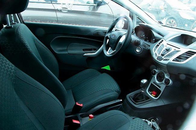 Фоторепортеры засняли интерьер новой Ford Fiesta ST