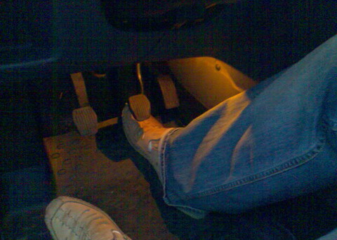 FF2 2008 Подсветка в зоне ног водителя