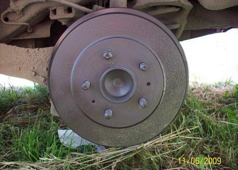 FF2 2008 Убираем ржавчину с задних барабанов