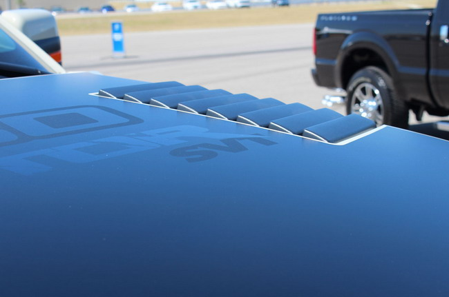 Ford F-150 SVT Raptor очень идет бежевый