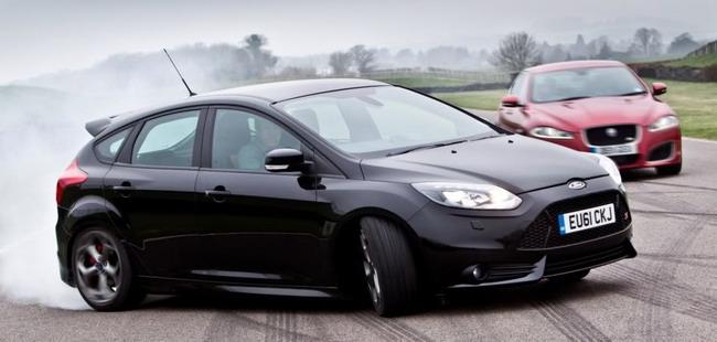 фото черный форд фокус