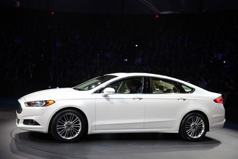 Ford Detroit дополнительно нанимает 1,2 тыс.сотрудников