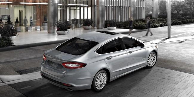 Ford добивается рекордных продаж за счет Fusion Hybrid