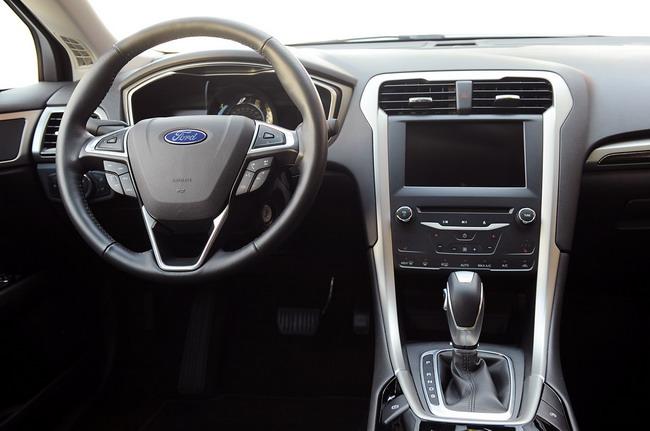 Ford Fusion и Fusion Hybrid получили пять звезд от NHTSA