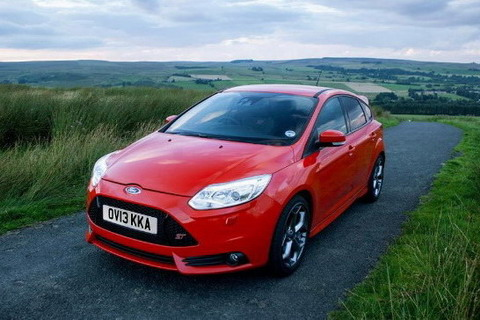 Ford Focus ST ����� ����������� ������� ������� � ������