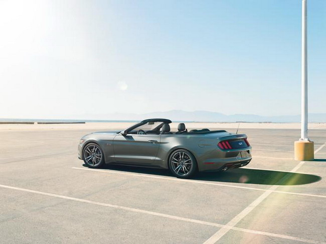 2015 Ford Mustang Convertible представлен