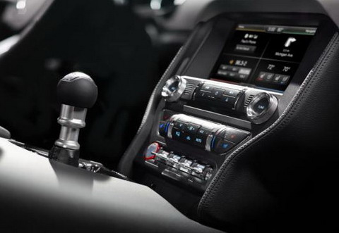 2015 Ford Mustang ������� ����� ������� SYNC AppLink