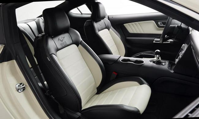 Стали известны цены на Ford Mustang EcoBoost и GT