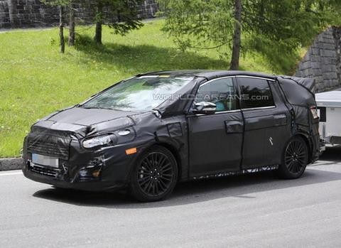 2015 Ford S-Max сфотографирован шпионами внутри и снаружи