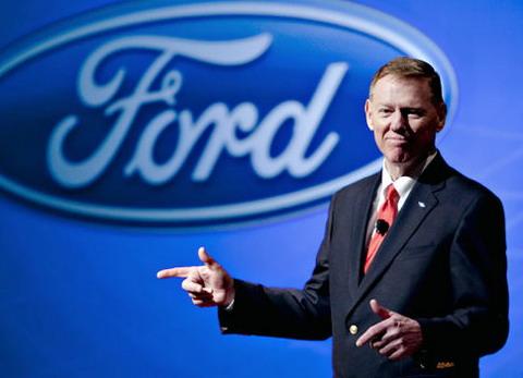 Бывший генеральный директор Ford Алан Мулалли присоединяется Google