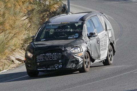 Ford Galaxy пойман шпионами внутри и снаружи