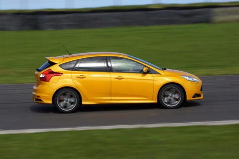 ���� ��� ����������� Ford Focus ST �� 296 �.�.