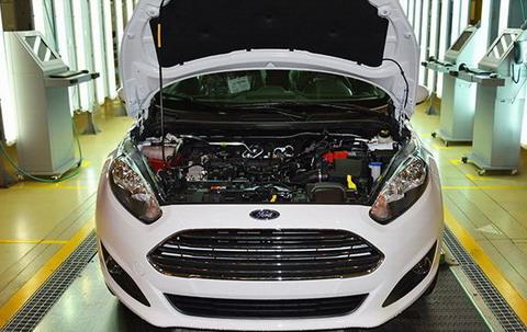 Первый автомобиль Ford с российским двигателем сошел с конвейера
